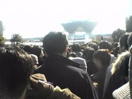 開場直後の一般参加者の列